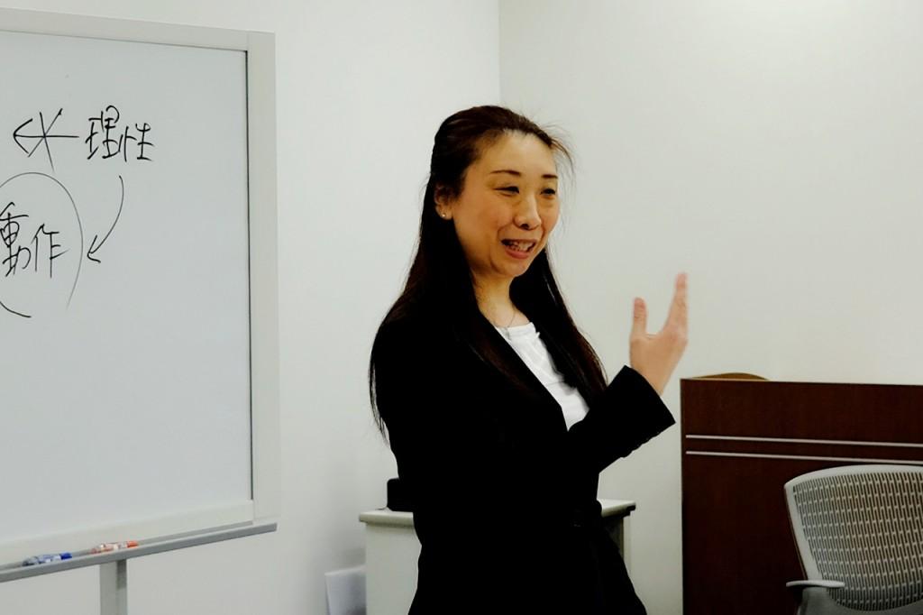 あがり症を改善する話し方教室の講師